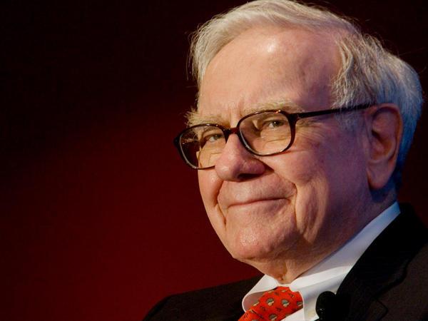 """Milyonçu olmaq üçün nə etmək lazımdır? <span class=""""color_red"""">Warren Buffettdən 9 tövsiyyə</span>"""