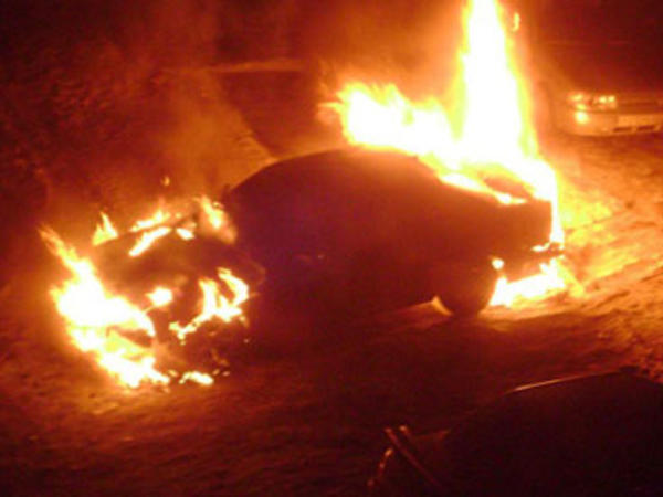 Qaxda avtomobil yanıb - FOTO