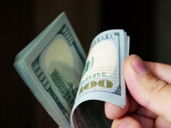 Bu ilin 9 ayında Azərbaycandan 2 mlrd. dollardan çox kapital çıxarılıb