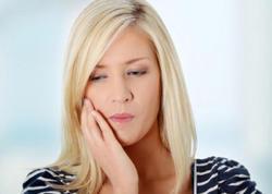 Diş ağrısı gecə niyə şiddətlənir və necə qurtulaq?