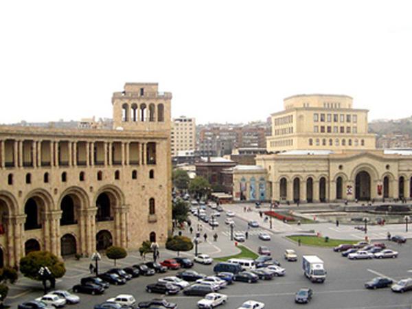 "Ermənistanda toqquşma: <span class=""color_red"">6 polis hospitala aparıldı</span>"