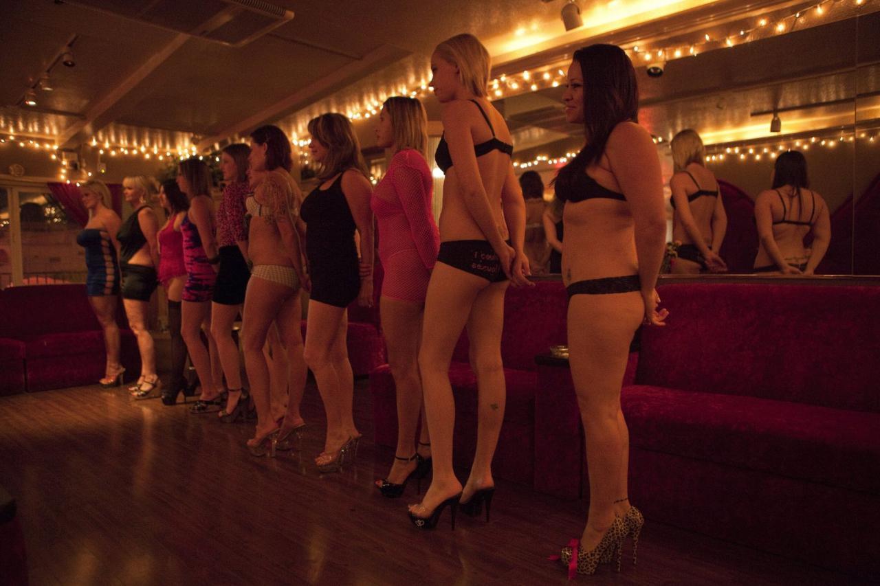 Шлюхи по вызовут, Проститутки по вызову в Москве. Вызвать проститутку 15 фотография