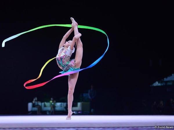 Arina Averina bədii gimnastika üzrə Dünya Kubokunda çoxnövçülükdə qızıl medal qazanıb - FOTO