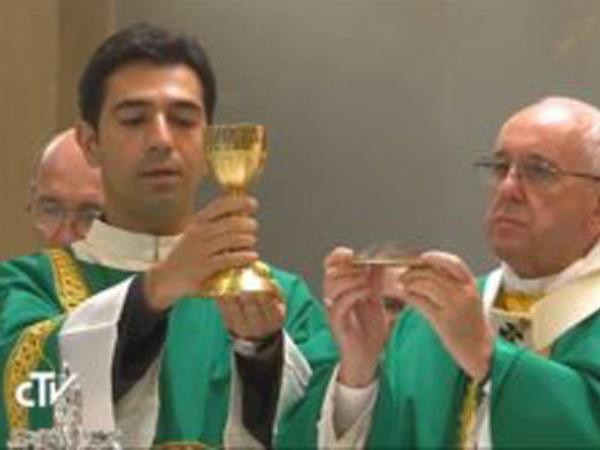 Azərbaycanlı gömrük zabiti katolik keşişi olacaq