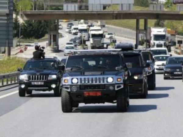 Çingiz 100 avtomobildən ibarət kortejlə həbsxanaya aparıldı