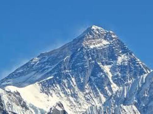 Everestə çıxmaq istəyən alpinist donub öldü