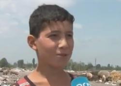 Bərdədə 11 yaşlı uşaq zibillikdən pul qazanır - VİDEO - FOTO