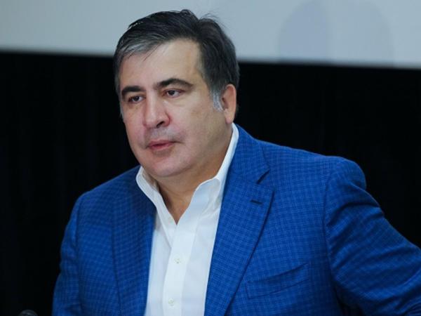 """""""Biz ruslarla döyüşürük"""" - Saakaşvili:"""
