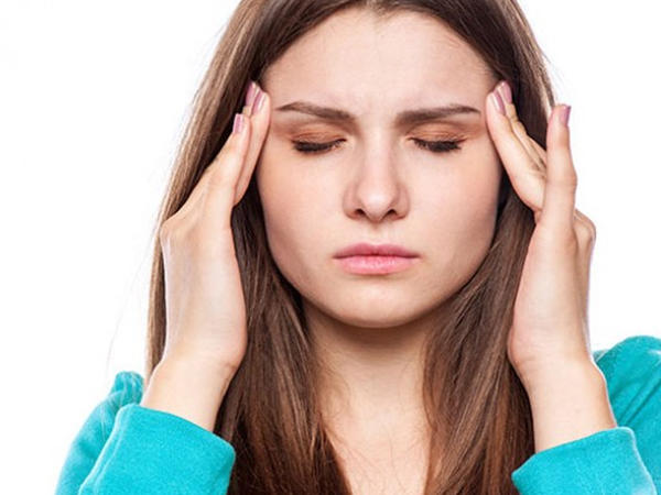 """Baş ağrısının ən yayılmış <span class=""""color_red"""">SƏBƏBLƏRİ</span>"""
