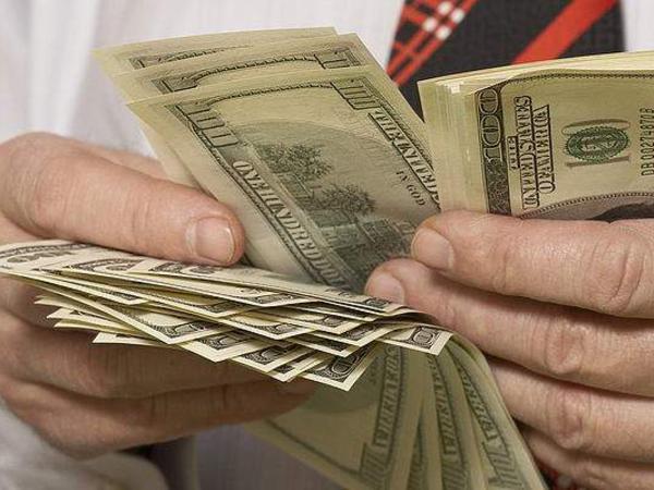 Avropa Şurasının Ukraynadakı ofisinin rəhbərinin 3 400 dollarını oğurladılar