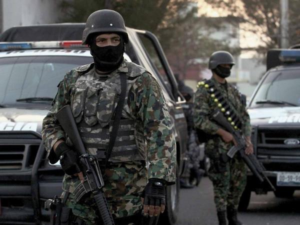 """Meksikada bara silahlı hücum: <span class=""""color_red"""">5 ölü, 5 yaralı</span>"""