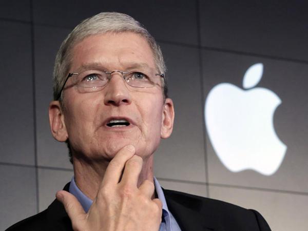 """Tim Kuk """"iPhone X""""un baha olmasına aydınlıq gətirdi"""