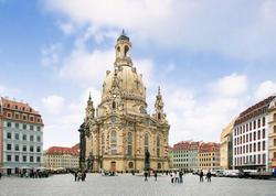 Hamburqda Putinin qaldığı otelin mühafizəçilərinə hücum edildi