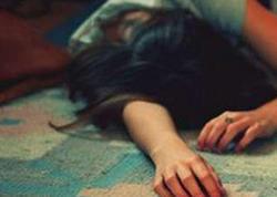 19 yaşlı qız intihar etdi