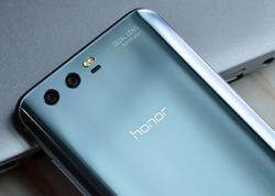 Bu smartfon bir ayda 1 milyon ədəd satıldı