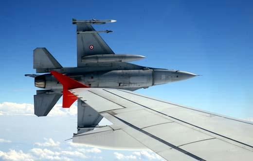 Ərdoğanı qoruyan F16-nın pilotu görün kim çıxdı - FOTO
