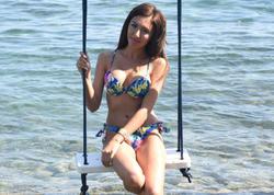 Türkiyənin ən uzun ayaqlı modeli bikinidə göz oxşadı - VİDEO - FOTO