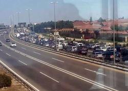 Aeroport yolunda qəza: bir neçə kilometrlik tıxac yarandı - FOTO