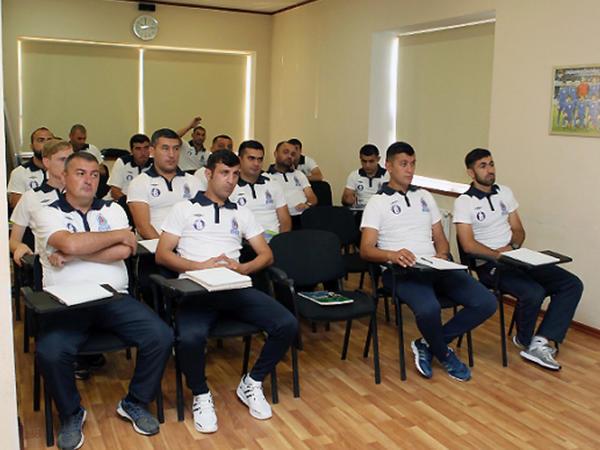 Millimizin sabiq üzvü UEFA-nın məşqçi kursunda - FOTO