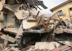 """Yaşayış binası uçdu: 30 adam dağıntılar altında qaldı - <span class=""""color_red""""> Mumbayda</span>"""