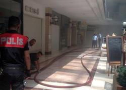 Ankarada ticarət mərkəzi yanır