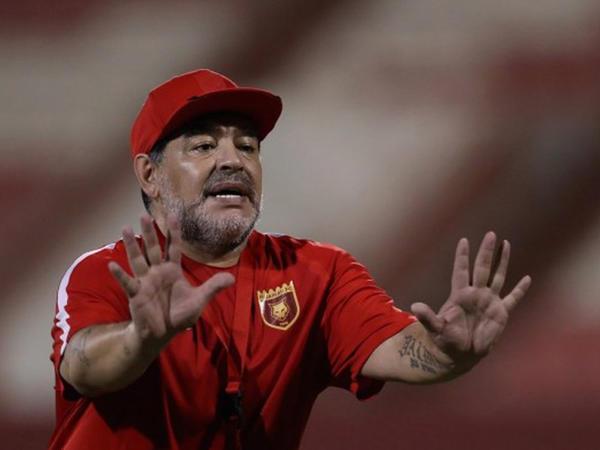 """Maradona: """"Yeni sistem tətbiq edilsəydi, """"tanrının əli"""" də olmayacaqdı"""""""