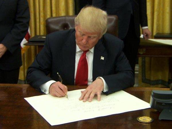 ABŞ Böyük Britaniya ilə iri ticarət sazişini imzalayacaq