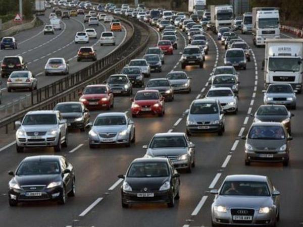 """Benzinlə işləyən avtomobillərin satışı qadağan ediləcək - <span class=""""color_red"""">Britaniyada</span>"""