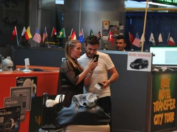 Mustafa Ceceli və yeni həyat yoldaşı bal ayından qayıtdı - FOTO