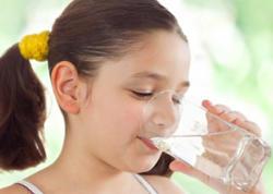 Şirin qazlı içkilər uşaqlarda sümük əriməsinə səbəb olur - VİDEO