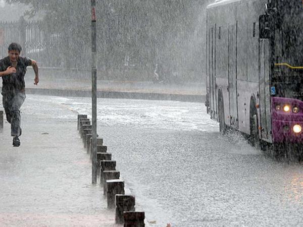 İstanbula düşən dolu 10 nəfəri xəstəxanalıq etdi - VİDEO - FOTO