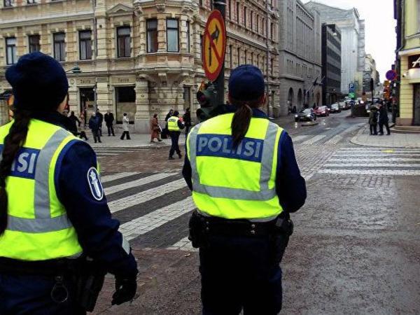 Helsinkidə avtomobil piyadaları vurub, ölən və xəsarət alanlar var
