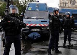 """Parisdə hərbiçilərə hücum edildi: <span class=""""color_red"""">yaralılar var</span>"""
