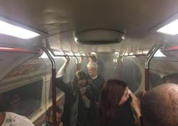 """London metrosu tüstüyə büründü: <span class=""""color_red"""">4 nəfər zəhərləndi - YENİLƏNİB - FOTO</span>"""