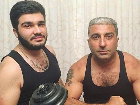 Rafael İsgəndərov oğlu ilə