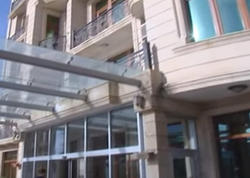 Azərbaycanda otel qalmaqalı: otaqlar başqalarına satıldı - VİDEO