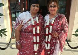 49 və 48 yaşlı iki qadın evləndilər - VİDEO - FOTO