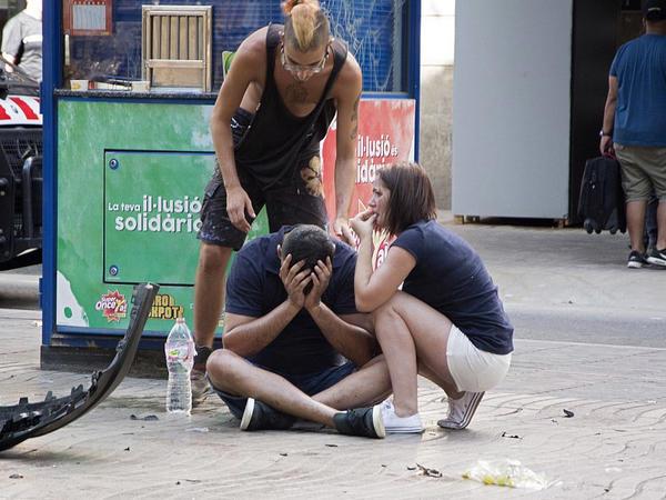 """Barselonada  dəhşətli terakt: <span class=""""color_red"""">13 ölü, 119 yaralı - YENİLƏNİB - VİDEO - FOTO</span>"""