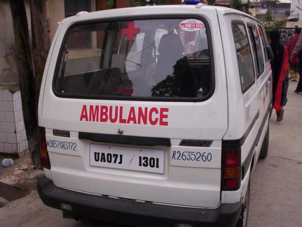Hindistanda avtobus körpüdən aşıb: 14 ölü