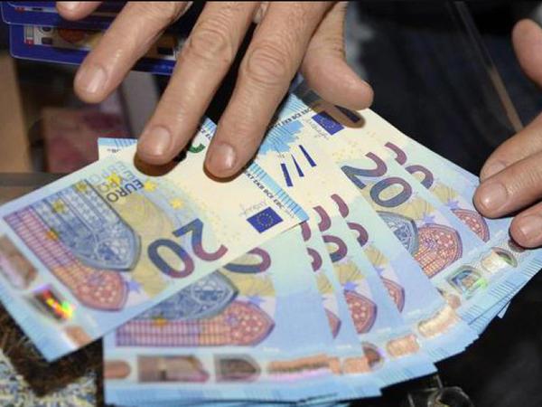 İtaliyanın dövlət borcu rekord həddə çatıb