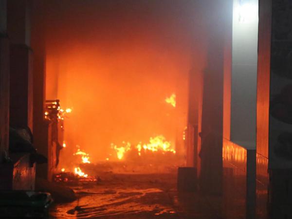 Ağstafada 3 ev yanıb, yanğınsöndürən xəsarət alıb
