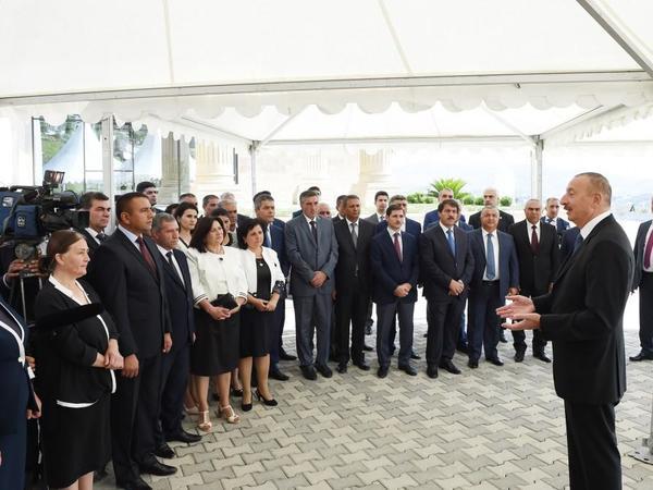 """Azərbaycan Prezidenti: """"Bundan sonra kənd təsərrüfatı ancaq məhsuldarlığın artımı hesabına inkişaf etməlidir"""""""