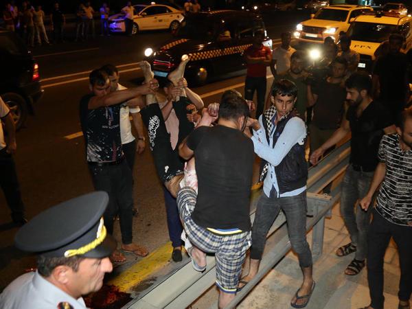 Bakıda 40 yaşlı kişi vuruldu - FOTO