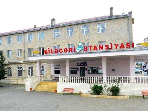 Biləcəri stansiyasında minik yeri dəyişdirilib - FOTO