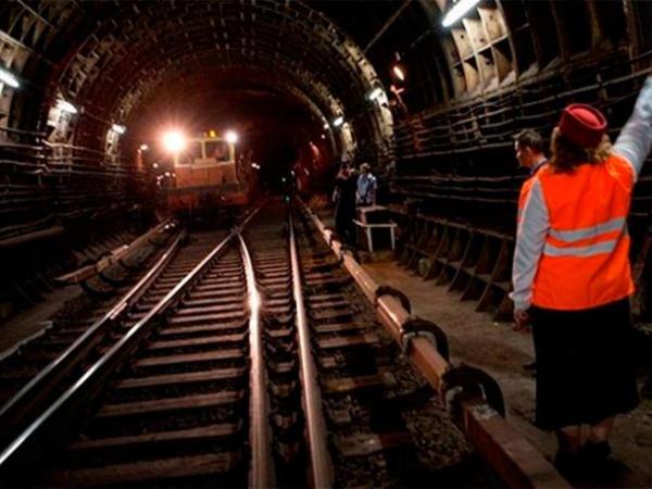 Bakı metrosunda inanılmaz hadisə: yuxulu olan maşinist qatarı saxlaya bilmədi
