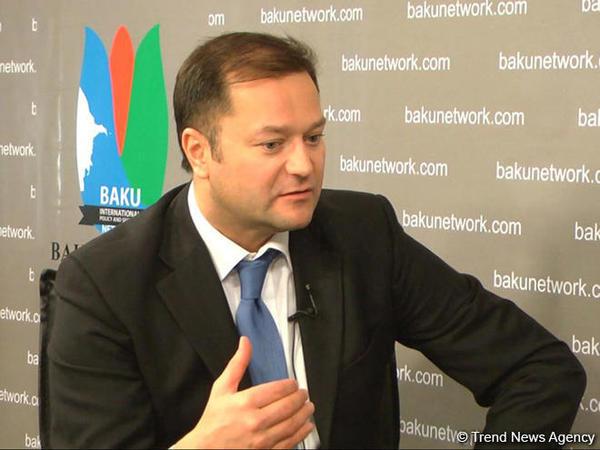 """Rusiyalı ekspert: """"Ermənistan Qərbin simasında özünə yeni güc mərkəzi axtarmağa çalışır"""""""