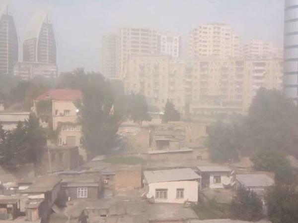 Bakını toz-duman bürüdü – FOTO