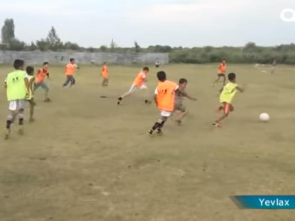 Bu kənddə hər kəs futbol oynayır - VİDEO - FOTO