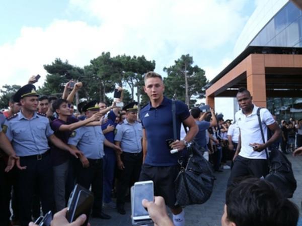 """""""Qarabağ"""" Bakıda belə qarşılandı - VİDEO - FOTO"""