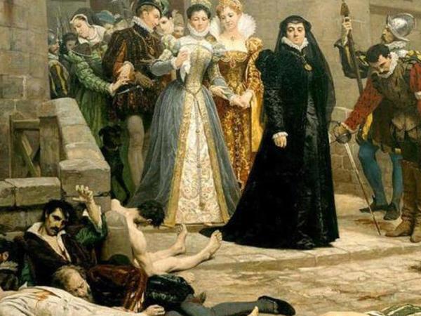 Nostradamusun himayədarı olan kraliçanın QANDONDURAN ƏMƏLLƏRİ: 8000 insanın DƏHŞƏTİ
